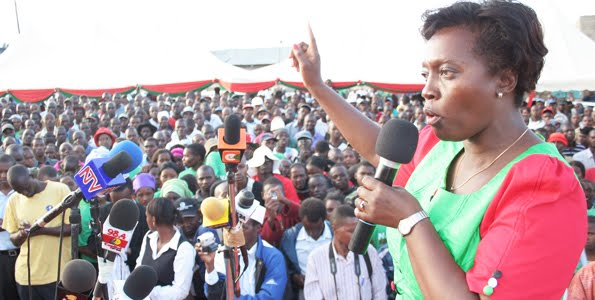 Martha Karua addresses a rally during her bid for the presidency in 2013. (Photo/ www.thelondoneveningpost.com)