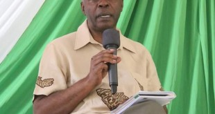 Makueni Governor Kivutha Kibwana speaking at the climate change forum held in Wote. Photo : Governor's Press