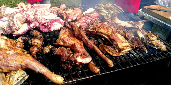 Nyama Choma which is a common delicacy in Kenya's events. Consumption of red meat has been flagged as a risk for increased cancer. [Photo: commons.wikimedia.org]