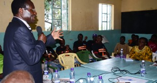 Vihiga MP Yusuf Chanzu addressing participants at the forum. [Photo:Malachi Motano]